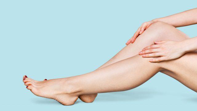 綺麗な女性の両足